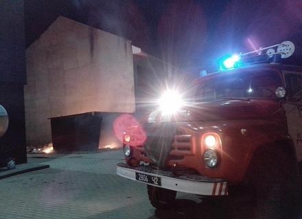 """В Ужгороді була пожежа біля ТЦ """"Токіо"""""""