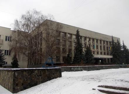 Сесія Ужгородської міськради закінчилася штовханиною