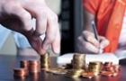 Українці знімають гроші з депозитів