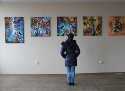 Виставку абстракцій відкрили в університеті