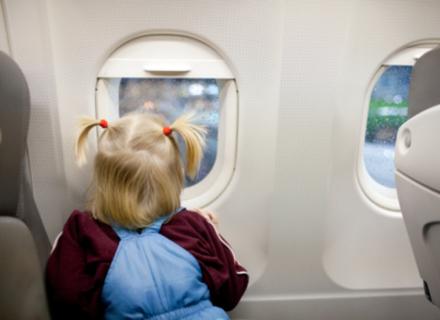 Закордонні паспорти з народження будуть у дітей