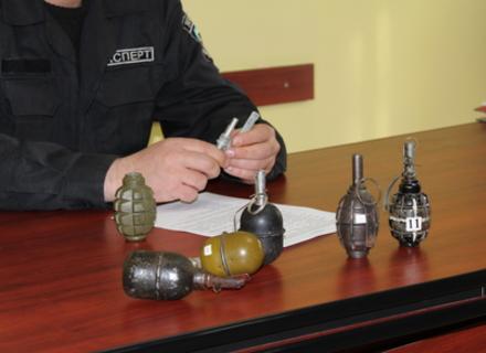 Розрізняти гранати навчали закарпатців