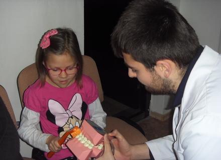 Закарпаття: на 313 тисяч дітей — 30 посад стоматологів
