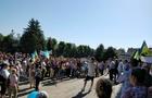 Вони повернулися: Мешканці Ужгородського району вдруге пікетують будівлю ОДА