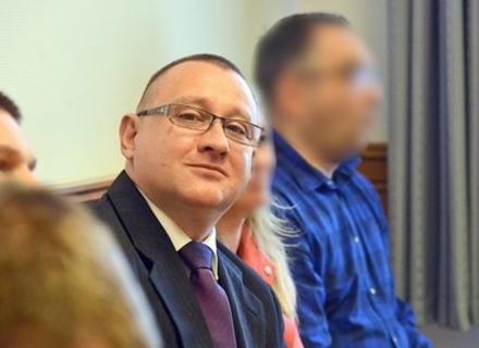 Мер угорського міста Монок може сісти на 6 років у в'язницю за допомогу закарпатцям отримати угорський паспорт