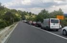 Трихвилинна акція: На Ужгородщині люди перекривали трасу Київ-Чоп (ВІДЕО)
