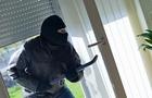 В Ужгороді поліцейські затримали злодія, який обкрадав приватні будинки