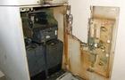У Мукачеві невідомий розрізав газовим різаком банкомат і викрав з нього гроші