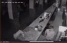 Камери спостереження зафіксували як злодій грабує виноградівське кафе (ВІДЕО)