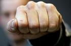 На Рахівщині хлопець вдарив чоловіка кулаком в голову і той потрапив до реанімації