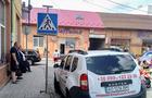 У Мукачеві за неправильне паркування муніципали наклали штраф на муніципала