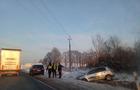 ДТП на Мукачівщині: Один з автомобілів злеті у кювет