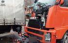 На Закарпатті зіштовхнулися дві вантажівки