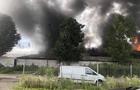 Масштабна пожежа в Хусті - горить меблева фабрика (ФОТО)