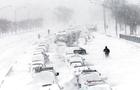 На Закарпаття насуваються снігопади - влада Ужгорода просить прибрати автомобілі з узбіччя доріг