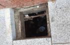 В Ужгороді на площі Петефі дитина провалилася в яму