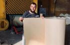 Папір з опалого листя, який винайшов закарпатець, запустили у промислове виробництво (ФОТО)