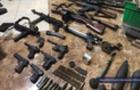 Насильник на Закарпатті утримував дівчину в домі, де був цілий арсенал зброї (ФОТО)