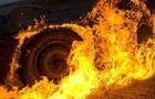 На Берегівщині в гаражі згорів автомобіль