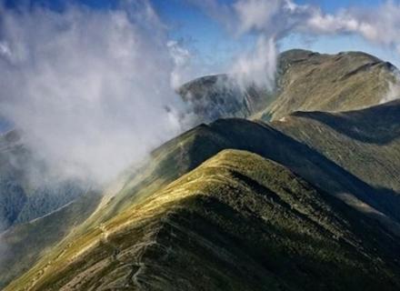 Суд розглядає скаргу екологів на позитивний висновок Закарпатської ОДА щодо будівництва вітрових електростанцій на Боржаві