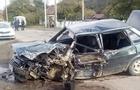 Біля Мукачева рейсовий автобус розтрощив автомобіль ВАЗ