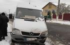 На Виноградівщині маршрутка з пасажирами зіштовхнулася з вантажним мікроавтобусом (ФОТО)