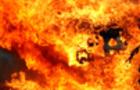На Закарпатті згорів автомобіль біля готелю, а також три будинки