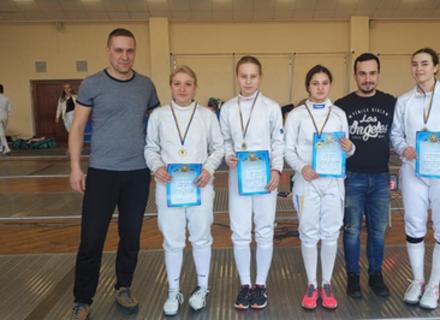Команда Закарпаття з фехтування перемогла на Чемпіонаті України