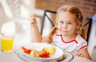 Чим годують дітей в дитячих садочках Ужгорода (ВІДЕО)