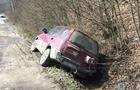 На Воловеччині водій без прав тікав від поліції на автомобілі і заїхав у кювет