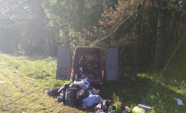 У Виноградові мікроавтобус вдарився в дерево - постраждали двоє осіб