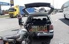 На Закарпатті біля держкордону з Угорщиною мотоцикл врізався в легковик