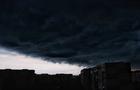 Повалені дерева: Відразу після закриття дільниць Ужгород накрила потужна буря