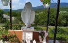 На Свалявщині невідомі ламають статуї святих