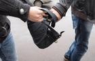 Двоє закарпатських підлітків пограбували мешканця Луганщини та його знайомого