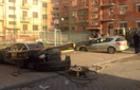 В Ужгороді впав автокран і розчавив дві автівки