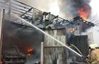 Під час пожежі в центрі Міжгір'я згоріли три автомобіля (ФОТО)