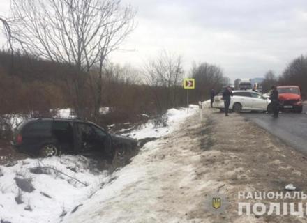 На Мукачівщині сталася масштабна ДТП за участі 4 автомобілів - серед постраждалих є діти