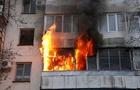У Мукачеві горіла квартира в багатоповерхівці: Господаря госпіталізовано