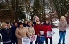 На Закарпатті батьки вимагають звільнити директорку школи, яка побила учня