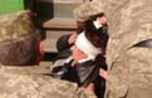 В Ужгороді жінка виходила з маршрутки, впала і розбила голову