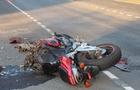 На Закарпатті мотоцикліст вдарився в циркову машину і загинув