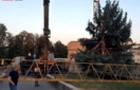 На скандальному будівництві в центрі Ужгорода впав кран (ВІДЕО)