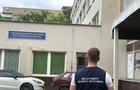 В Ужгороді затримали акушера на хабарі 500 доларів