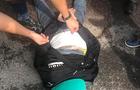 На Закарпатті в автобусі міжнародного сполучення поліція затримала наркокур'єра, який віз на собі наркотики