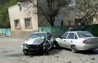 У ДТП в Ужгороді зіткнулися три легковика, постраждали діти
