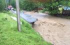 Через потужну зливу на Міжгірщині затопило два села: Знесло мости і дороги (ФОТО, ВІДЕО)