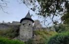 У Невицькому замку відкопали досі невідомий підвал, також виявили ковані масивні наконечники арбалетних стріл та фрагменти кахлів