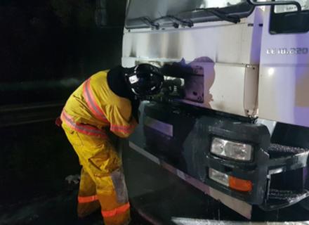 На Свалявщині під час руху загорілася вантажівка