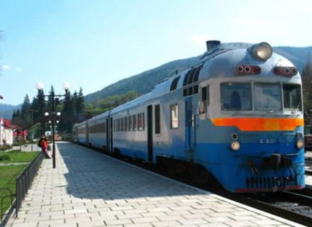 На кілька днів змінено графік руху приміський поїздів на Закарпатті